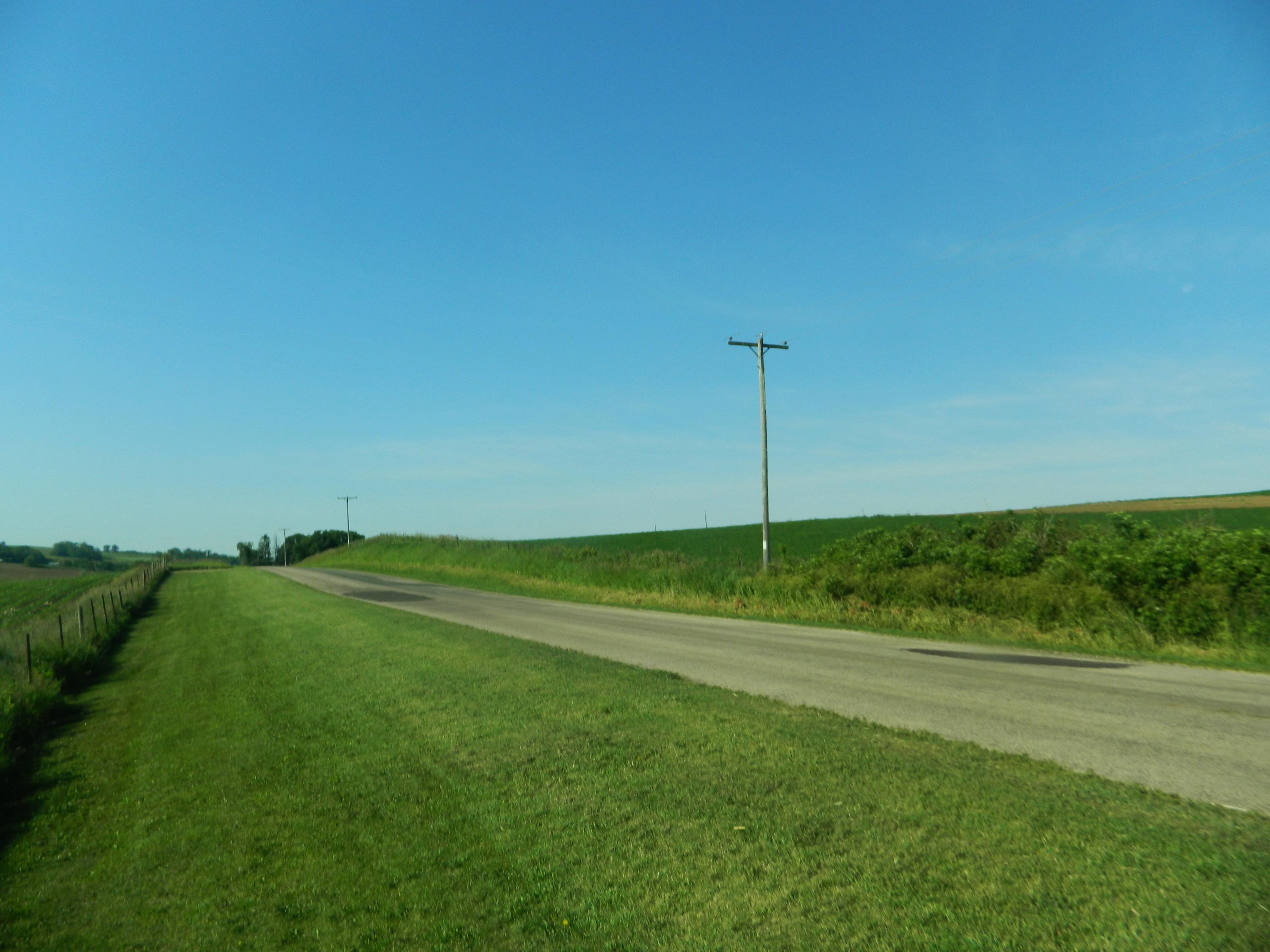 Cesta lahko preseka zemljišče, vir: derekjohnson05.files.wordpress.com